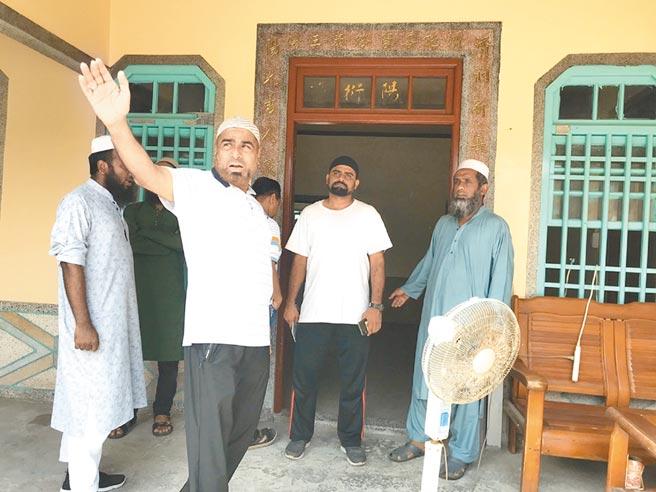 雲林縣台西鄉有上萬名「阿拉丁」,定居台灣的穆斯林協助尋根。(張朝欣攝)