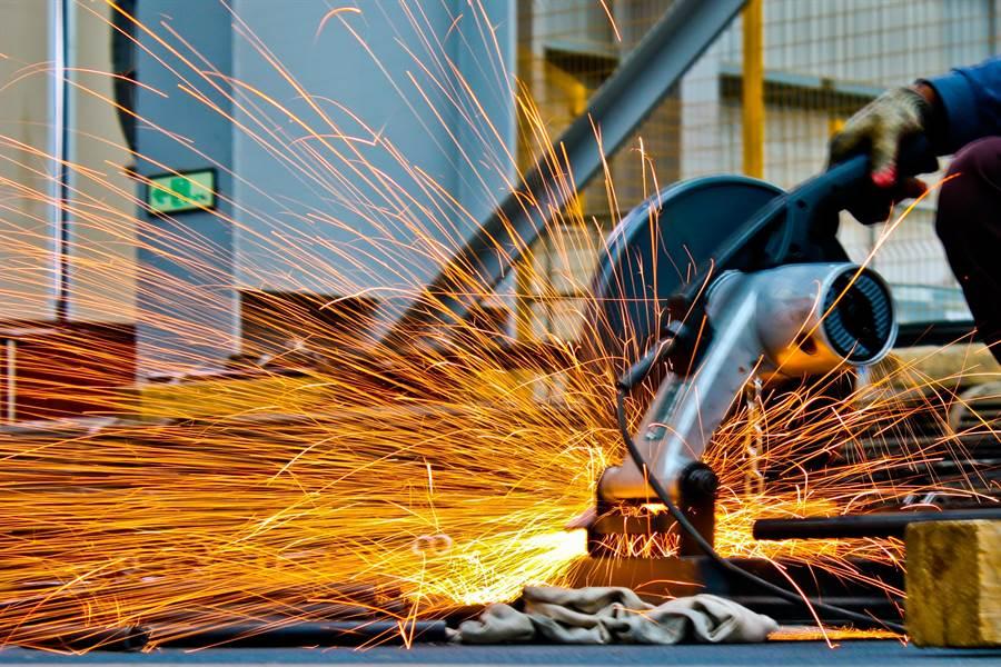 隨經濟復甦,大陸鋼鐵業也帶動需求成長。(pexels)