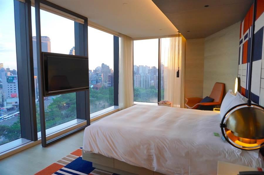 高雄英迪格酒店同期推出「Pier No.1 BBQ Party」住房專案,每房含稅5500元起。(何書青攝)