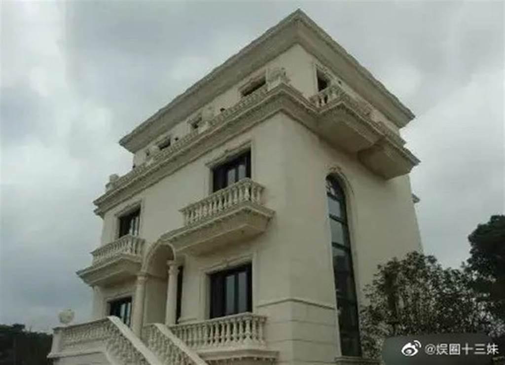 李連杰斥資8億台幣打造的上海千坪豪宅。(圖/娱圈十三妹微博)