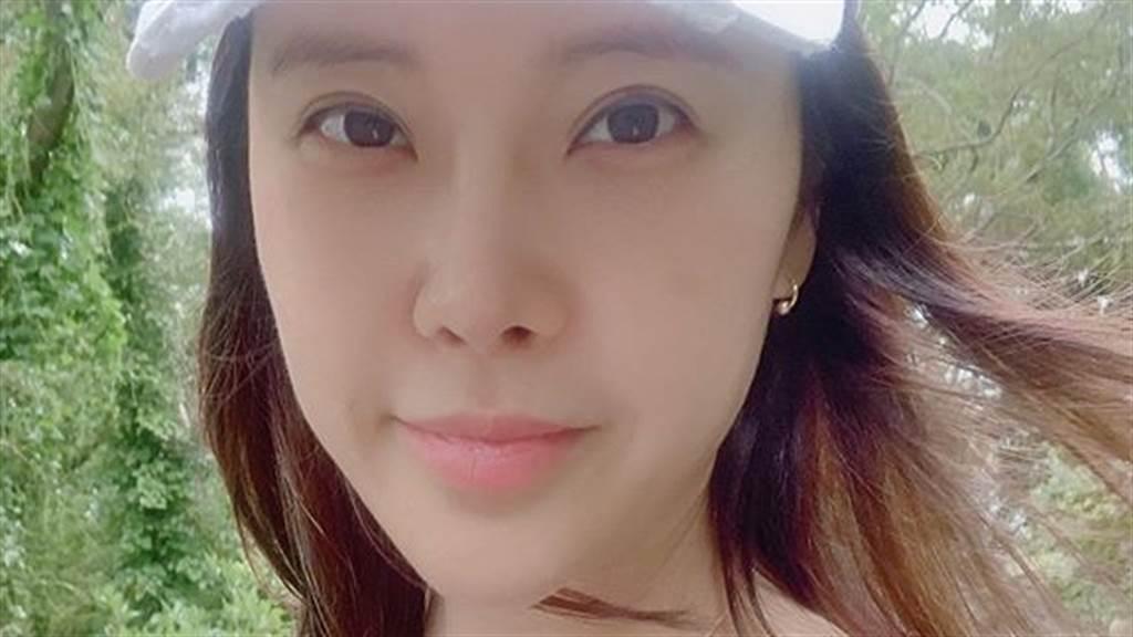 白智榮(백지영)遭前男友販售「40分鐘性愛片」嫁小9歲老公又吸毒被逮(圖/IG@baekzyoung)
