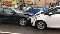逆向衝撞停紅燈車輛 頭份肇事男瞬間消失