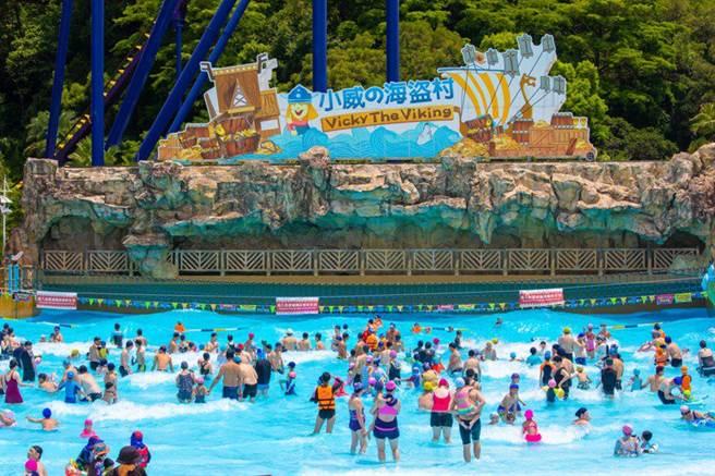 廣受遊客喜愛的劍湖山世界小威の海盜村水樂園,只剩中秋和國慶連假可以水陸一票暢玩。(圖片取自網路)