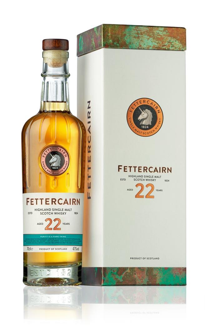 費特肯Fettercairn22年單一麥芽威士忌(左圖)。建議售價:8,000元。圖/業者提供