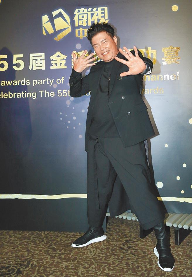 曾国城没得综艺节目主持人奖但他另一节目却夺双奖,庆功宴上心情复杂。(陈俊吉摄)
