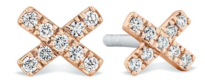 HEARTS ON FIRE HARLEY XO玫瑰金鑽石耳環小型款式,4萬。(HEARTS ON FIRE提供)