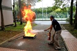 教弱勢自救 桃特教師生模擬惡火疏散