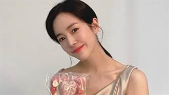 37歲韓志旼公開近況 「胸前透視」凍齡美貌網驚:吃了防腐劑