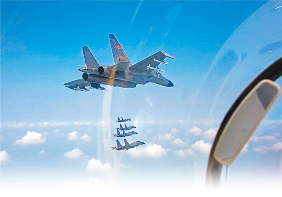 大陸近日派出殲16、殲10、殲11(見圖)等軍機對我空域襲擾,甚至越過海峽中線。(取自中國軍網)