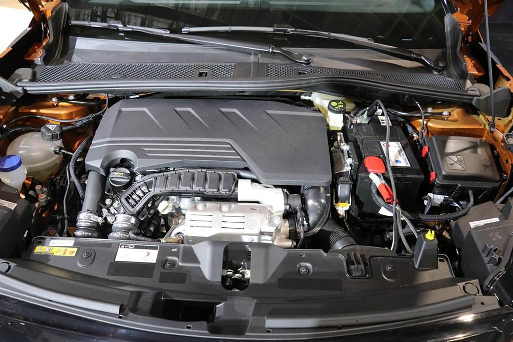 有機會在第四季亮相?Peugeot 2008 大改款台北路上現蹤!