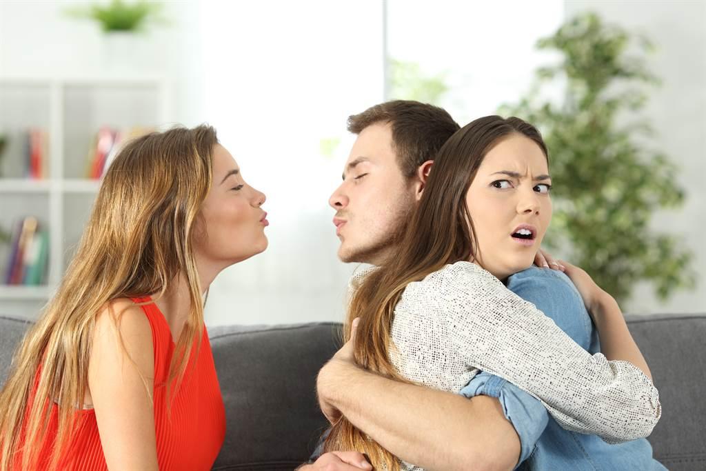 巴西幾日前發生一起媽媽橫刀奪愛女兒丈夫的亂倫事件。(示意圖/達志影像)