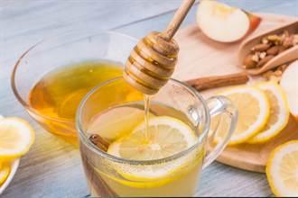 蜂蜜水「8注意事項」一次懂 醫提醒:2種人別亂喝