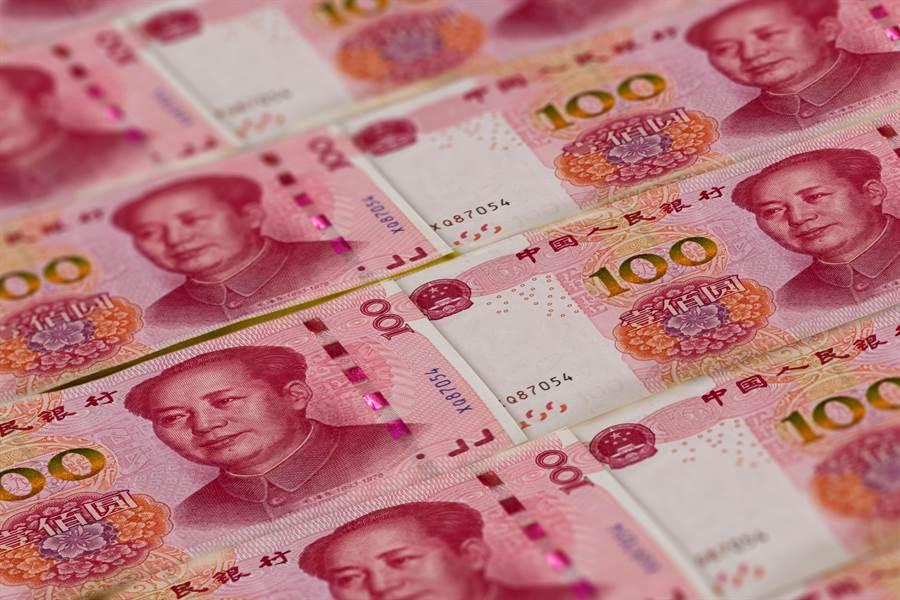 人民幣今年第3季漲幅驚人。(shutterstock)