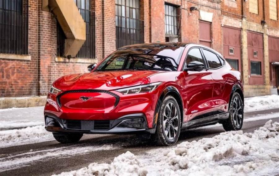 未交車先砍價:福特電動野馬 Mach-E 全線最高降 9 萬元,買車還能再殺價!