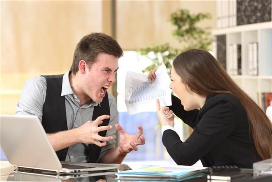 見父母狂吵架忍不住嗆「離婚算了」 爸一句話兒崩潰 網:兇爆 (示意圖/達志影像)
