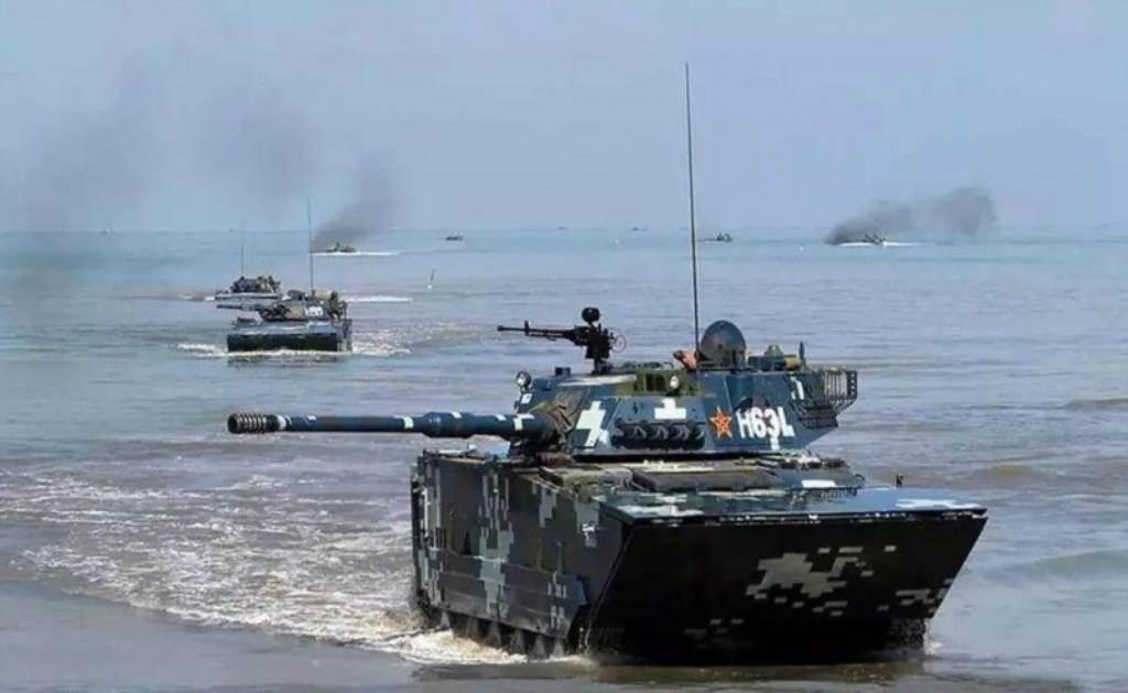 05式兩棲突擊車。(翻攝自微信@兵工科技)