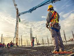 內政部研擬放寬外籍移工「解決營造業缺工」