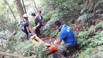 登山客攀泰安虎山 腳踝扭傷求援