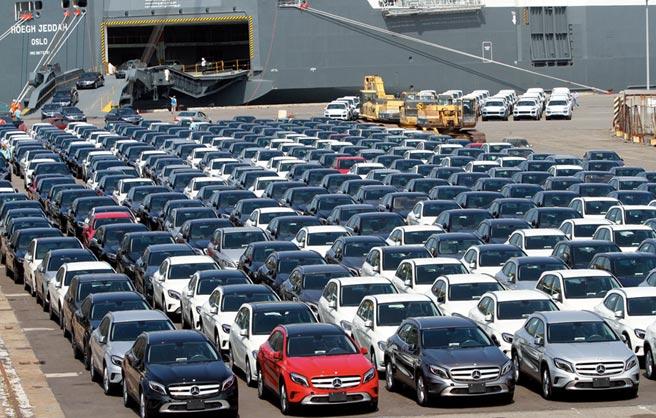歐系進口車原廠復工後,新車8、9月大量到港。圖/本報資料照片