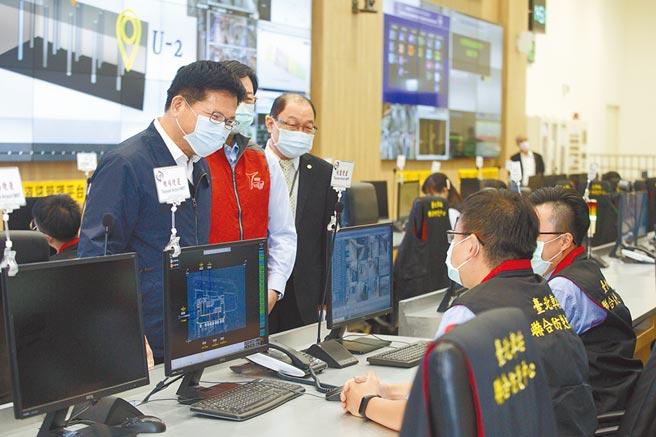 交通部長林佳龍(左一)。(張鎧乙攝)