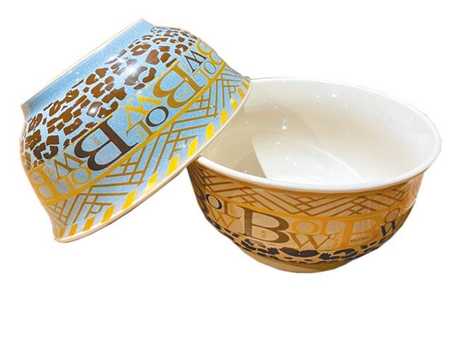 Global Mall新北中和店的品東西字母碗,原價65元,周年慶首4日會員限量優惠15元。(Global Mall提供)