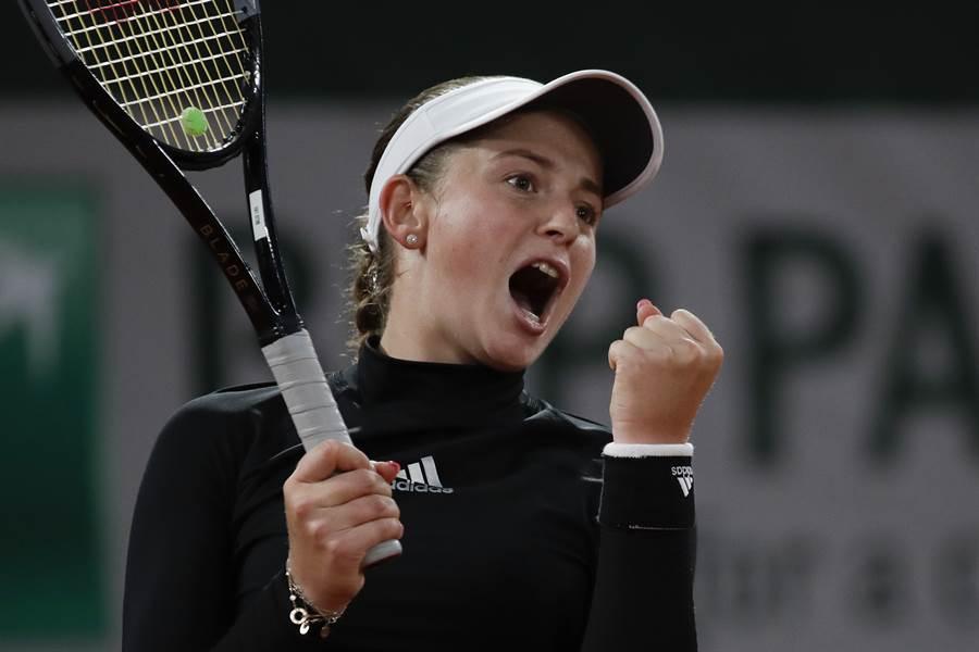 奧斯塔彭科證明自己不是好惹的,在2020年法網女單第二輪淘汰了大會第2種子普莉絲可娃。(美聯社)