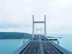 福建平潭海峽公鐵路兩用大橋公路層試通車 一小時通勤圈形成