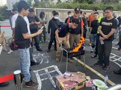 質疑警方輕縱貨車駕駛 百輛機車聚集分局「烤肉」