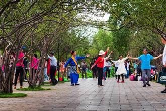 桂林小區居民放大悲咒對抗廣場舞 以毒攻毒效果特好