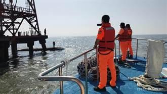 東石外傘頂洲漁船翻覆 5獲救、船東死亡