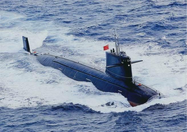 大陸第一代的「漢」 級(091)核攻擊艦,也是僅有的一型核攻擊潛艦。(圖/網路)