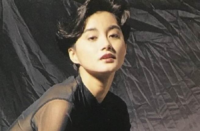 陳穎芝靠拍三級片走紅有「「三級艷后」封號。(圖/微博)