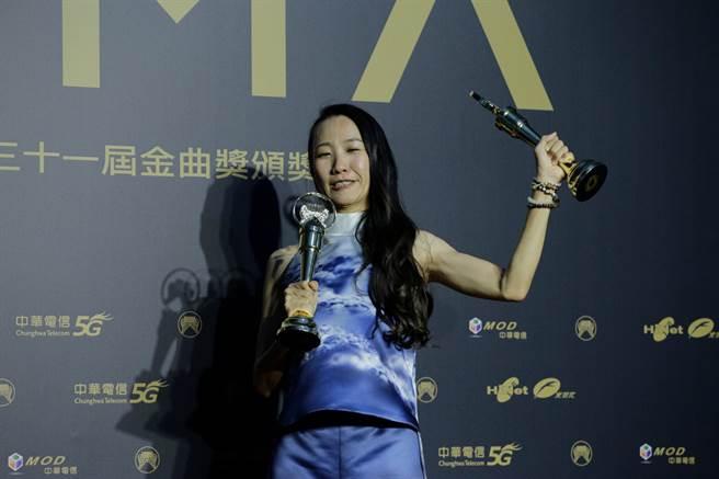 米莎連奪最佳客語歌手獎、最佳客語專輯獎。(圖/廖映翔)