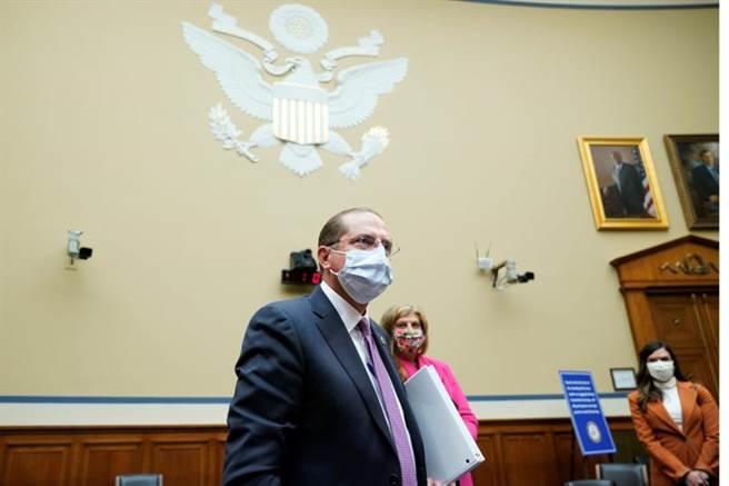 美國衛生部長阿札爾2日出席國會聽證會,再度批評中國隱瞞疫情。(路透)
