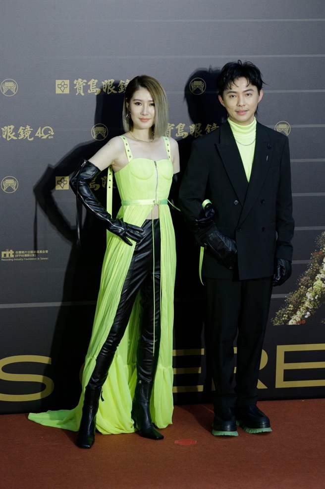Kartina和夥伴蔡奇龍的服裝互相搭配。(圖/廖映翔攝)