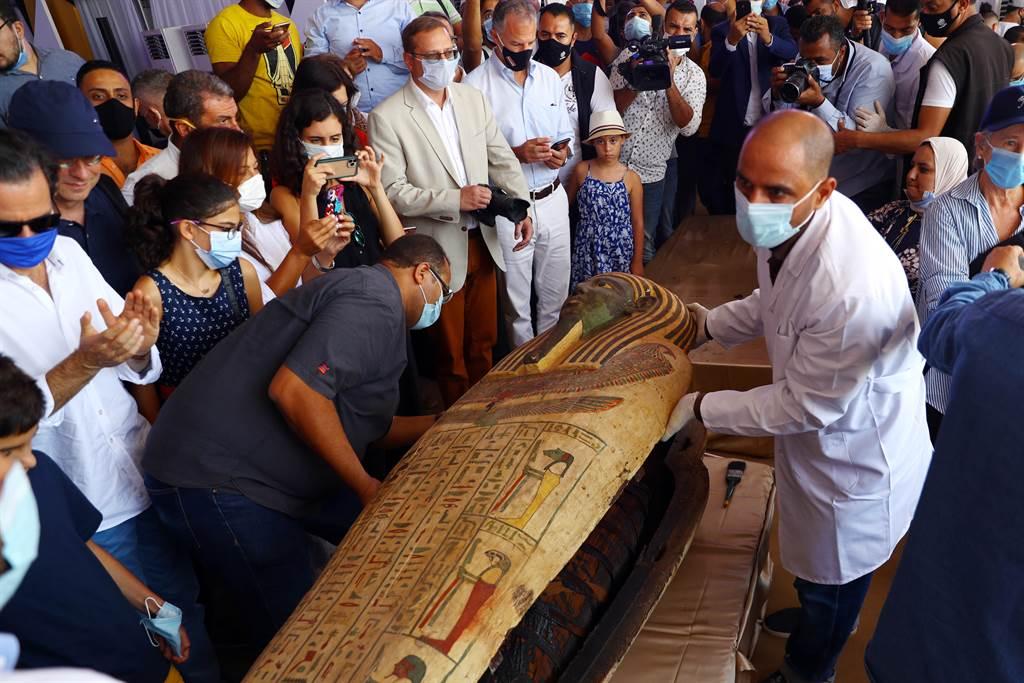 埃及59具古棺出土 開箱2500年前木乃伊畫面曝光(圖/新華社)