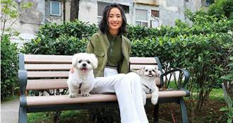 寵物情緣/從小廣結動物緣 陳忻玥樂擁毛孩當聽眾