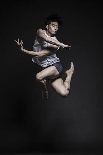 闖蕩國際舞壇 董柏霖在困頓之處看見人性光輝