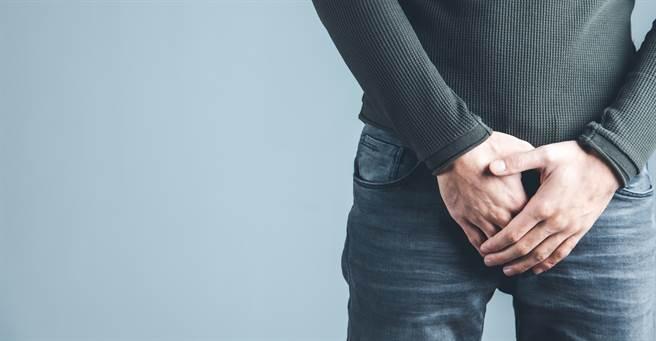 美國一名男子提分手,下體慘遭女友猛烈拉扯出現15公分撕裂傷。(示意圖/達志影像)