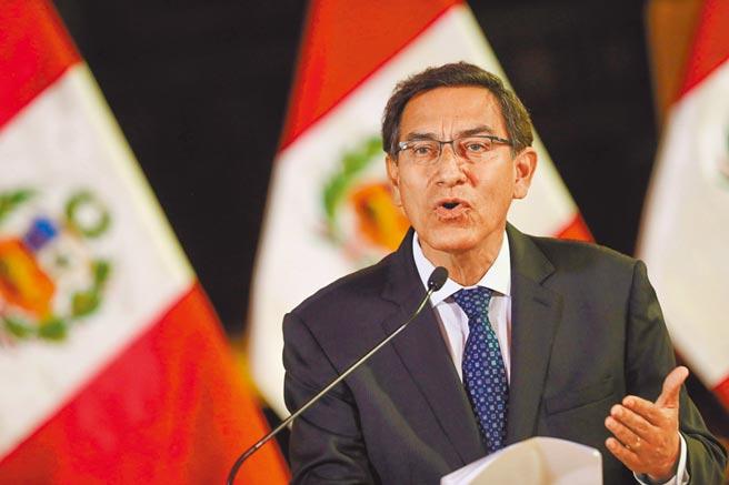 祕魯總統躲過罷免圖╱路透