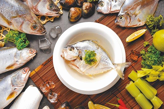 高雄國賓飯店「海底總動員」嘗鮮季獻禮,i River現煮魚湯吃到飽。圖/高雄國賓提供