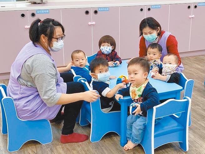 0至2歲幼兒送托,衛福部將托育補助增加至每月7000元。(本報資料照片)