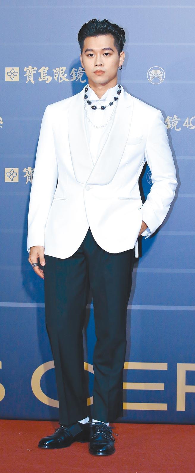 高爾宣昨紅毯服裝是私人訂製,珠寶混搭Julia Wang Design和Hankao兩個設計師作品。