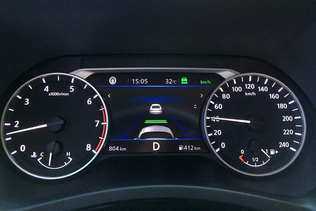 New Sentra搭載NIM智行科技,系統內涵蓋ICC全速域智慧定速,自動跟車、煞車並保持前車車距,安全狀態下大幅降低駕駛者負擔。