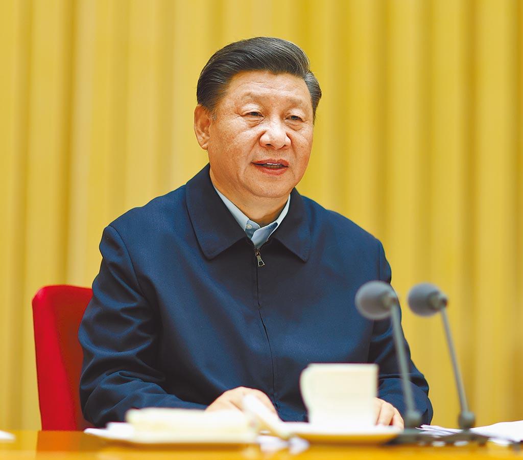 9月26日,中共中央總書記習近平於新疆工作座談會發表講話。(新華社)