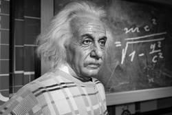 網瘋傳愛因斯坦數學不好 17歲成績單曝光秒打臉