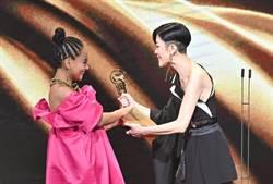 金曲收視出爐 陳珊妮頒發年度歌曲獎上台致詞奪冠