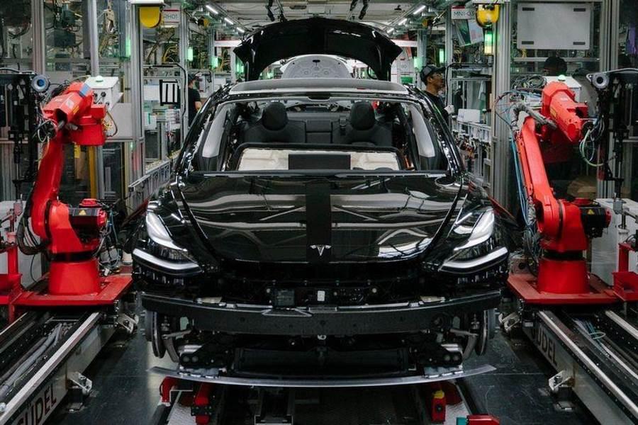 Model 3 又改版了!10/5 起生產的新車都裝上全新暖通空調,預料就包含熱泵系統