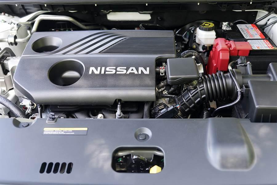 第三代HR16 1.6升引擎採鏡面缸孔熔射技術,達成高壓縮比、降低摩擦及輕量化等效益,配合E-VTC電子氣門正時、TCV擾流控制閥及EGR冷卻式廢氣循環系統更讓引擎效能提升、排廢與油耗降低。