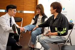 患者嚴重車禍恢復健康 媽媽捐100萬感謝醫師